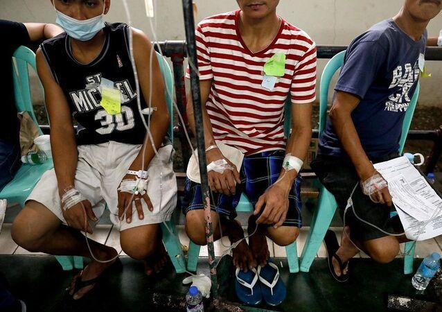 Filipinler'de hindistan cevizi şarabı içen 300 kişi hastanelik oldu. 8 kişi hayatını kaybetti.