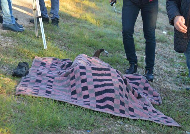 Adana'da yol kenarında, üzeri battaniyeyle örtülü cansız bedeni bulunan Suriyeli Mustafa el Recep