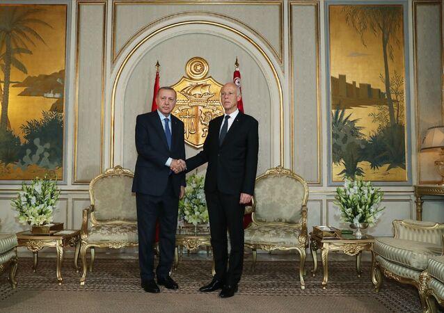 Türkiye Cumhurbaşkanı Recep Tayyip Erdoğan, Tunus Cumhurbaşkanı Kays Said ile bir araya geldi.