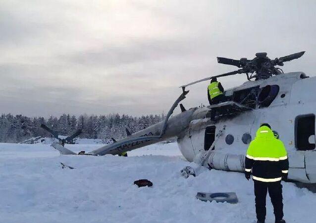 Rusya'da helikopter sert iniş yaptı