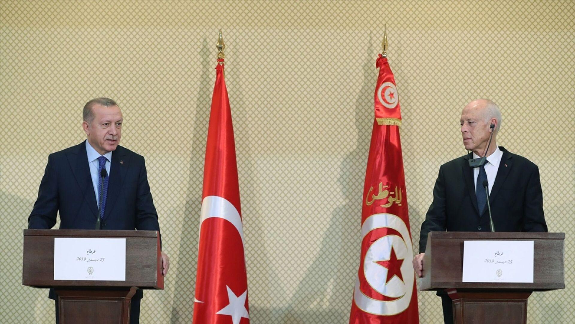 Türkiye Cumhurbaşkanı Recep Tayyip Erdoğan, Tunus Cumhurbaşkanı Kays Said ile görüşmeler sonrası ortak basın toplantısı düzenledi. - Sputnik Türkiye, 1920, 02.08.2021