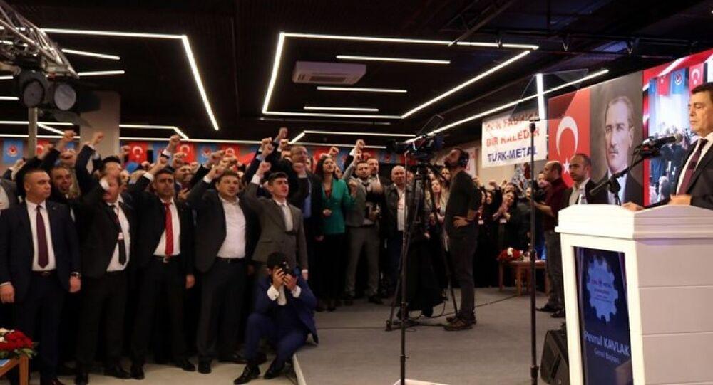 Türk Metal Sendikası genel başkanı Pevrul Kavlak