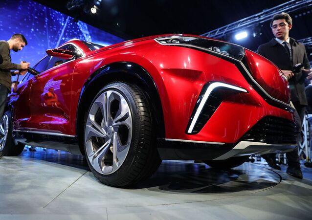 Kocaeli'nin Gebze ilçesindeki Bilişim Vadisinde düzenlenen Türkiye'nin Otomobili Girişim Grubu Yeniliğe Yolculuk Buluşması programında yerli otomobil tanıtıldı.