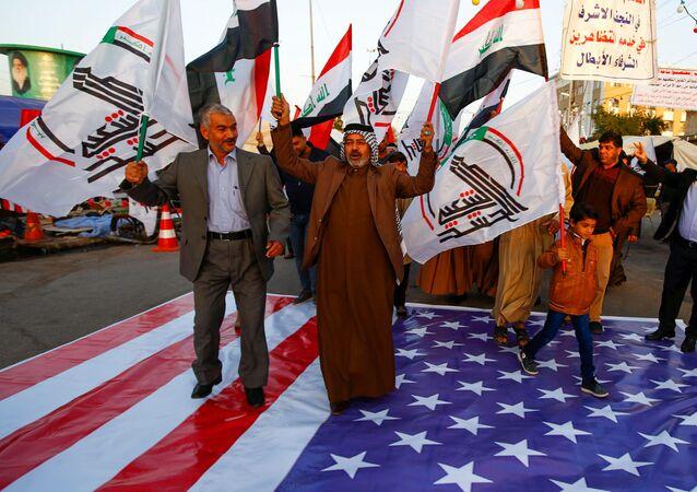 Pentagon'un Haşdi Şabi'ye 5 hava saldırısı açıklamasının ardından Irak çapında ABD ve İsrail'i protesto gösterileri düzenlendi.