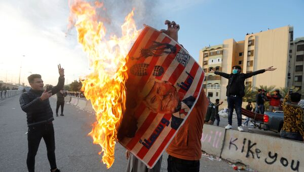 ABD'nin Bağdat Büyükelçiliği önünde ABD karşıtı gösteriler - Sputnik Türkiye