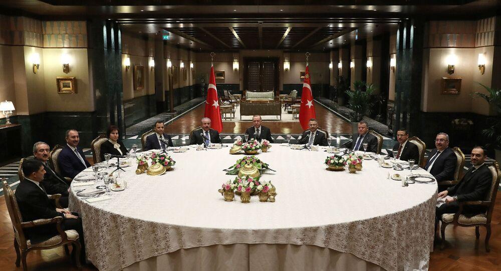 Cumhurbaşkanı Erdoğan'dan yasama, yürütme ve yargı temsilcilerine yemek