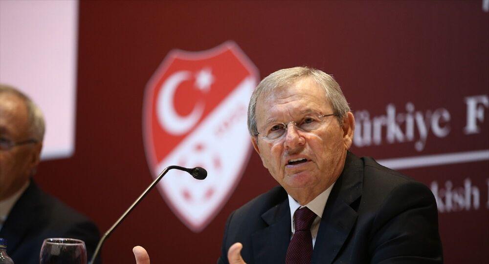 Türkiye Futbol Federasyonu (TFF) Merkez Hakem Kurulu (MHK) Başkanı Zekeriya Alp, TFF Hasan Doğan Milli Takımlar Kamp ve Eğitim Tesisleri'nde düzenlenen basın toplantısında açıklamalarda bulundu.