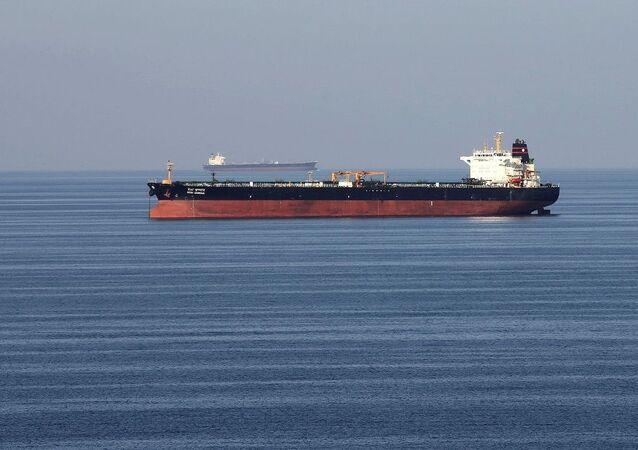Hürmüz Boğazı'nda bir petrol tankeri