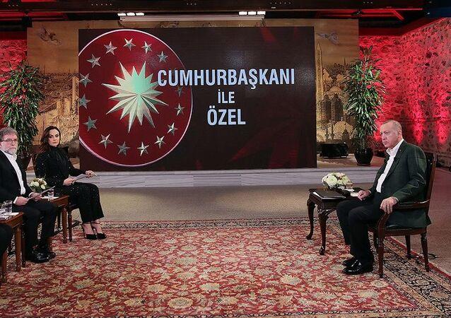 Cumhurbaşkanı Erdoğan CNN TURK ve Kanal D ortak yayınında gazetecilerin sorularını yanıtladı