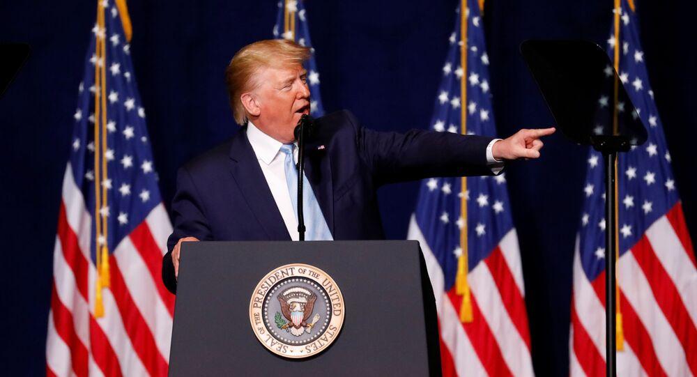 Donald Trump Miami'de Evanjelik destekçilerine seslenirken