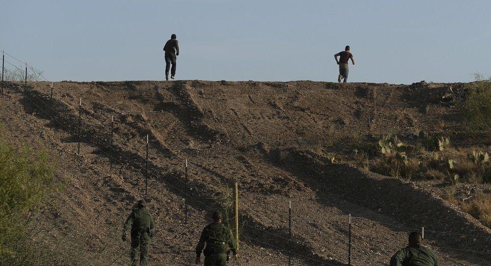 ABD sınırında göçmen kampı
