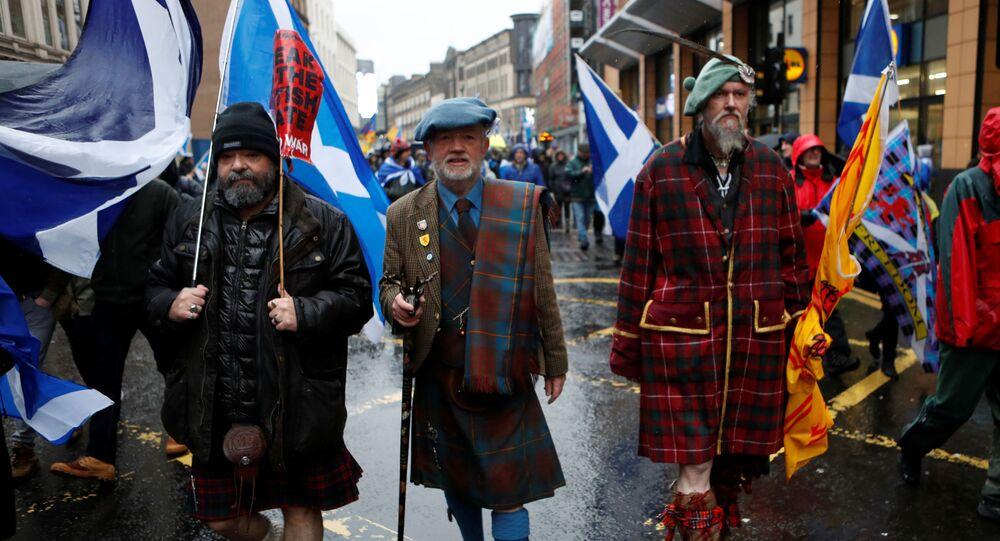 Glasgow kentinde ikinci bağımsızlık referandumu talebiyle düzenlenen yürüyüşe on binlerce İskoç katıldı (11 Ocak 2020).