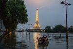 2016 yılında yılında iklim değişikliğini engellemek için 195 ülke Paris Anlaşması'nı imzaladı. Paris Anlaşması'nın ana amacı, 2100 yılına kadar küresel sıcaklık artışını 2 santigrat derecenin altına indirmekti. Bunun için sera gazı seviyesinin 2020 yılından itibaren düşmeye başlaması gerekiyor. Ancak yayınlanan raporlar, devam eden uygulamalarla 2030 yılından itibaren bile sera gazında düşüş olmayacağını gösteriyor. Eğer sera gazı var olan miktarda kalmaya devam ederse 2100 yılında kürenin sıcaklık artışı 3 dereceden fazla olacak.