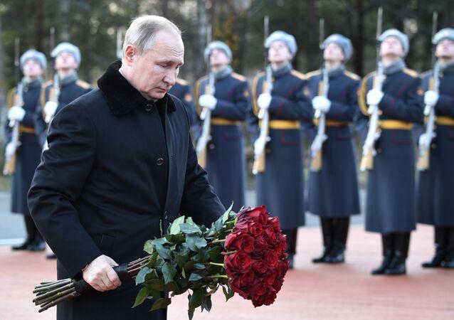 Rusya Devlet Başkanı Vladimir Putin Leningrad Kuşatması anma töreninde
