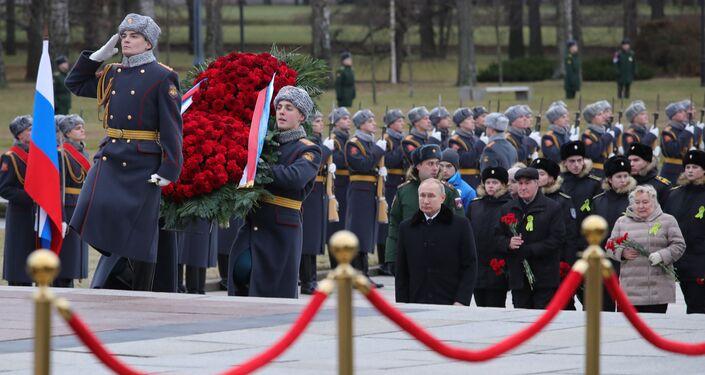 Putin, Leningrad Kuşatması'nın delinmesinin 77. yıldönümü etkinliklerine katıldı