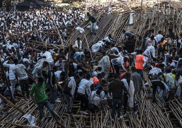 Etiyopya'da festivalde oturma alanı çöktü: 10 kişi öldü