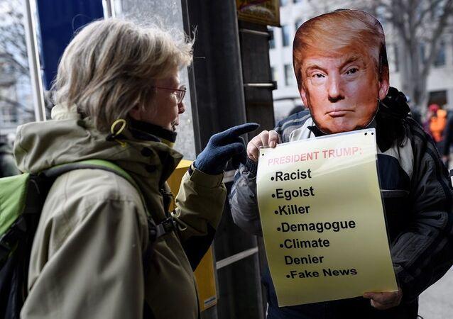 Davos protesto gösterileri