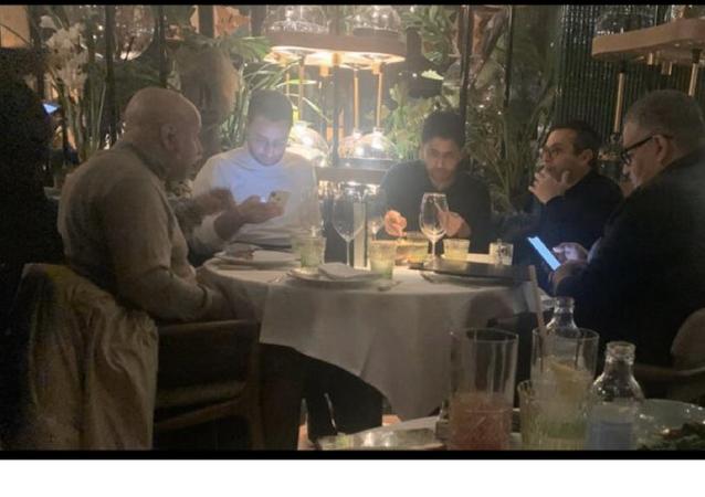 Dünya tarihinin en pahalı iki transferini (Mbappe, Neymar) gerçekleştiren ve Leeds United'ı satın almak istediği bilinen Katarlı iş adamı Nasser el Khelaifi'nin yapacağı yeni yatırımlar merakla beklenirken ortaya çıkan yeni görüntüler çok konuşuldu.