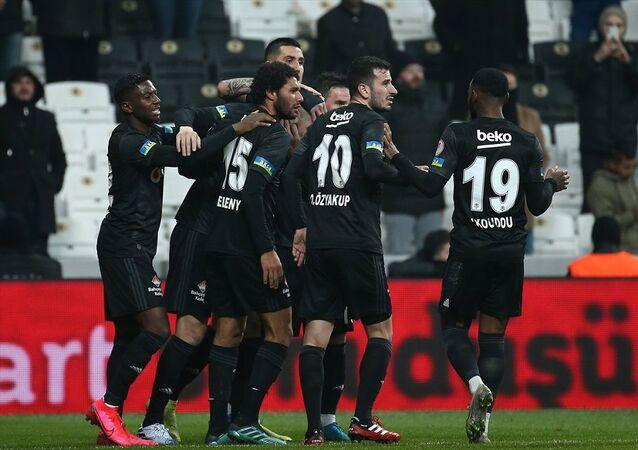 Ziraat Türkiye Kupası: Erzurumspor Beşiktaş'ı 3-2 mağlup ederek çeyrek finale yükseldi