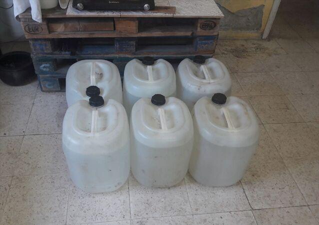Adana'da 1380 litre sahte içki ele geçirildi