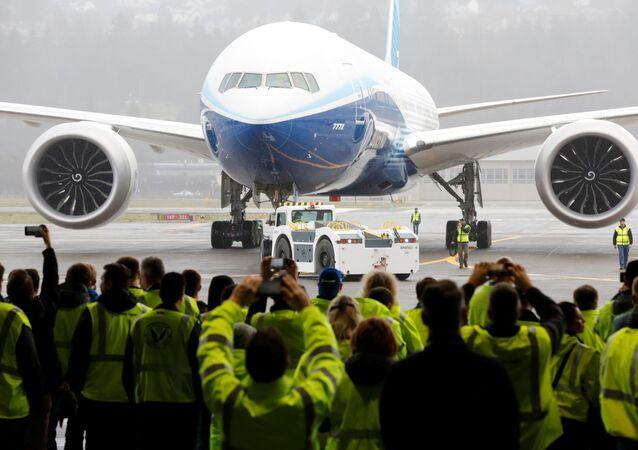 Dünyanın en büyük iki motorlu uçağı Boeing777X en büyük ticari motorlara sahip