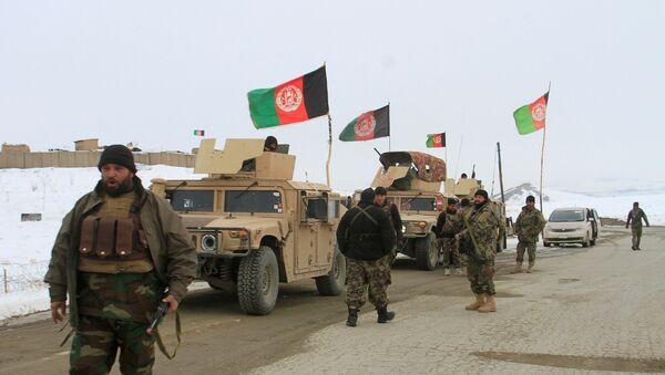 Afgan ordusuna bağlı ekipler uçak kazasının olduğu Deh Yak bölgesine sevk edildi. - Sputnik Türkiye