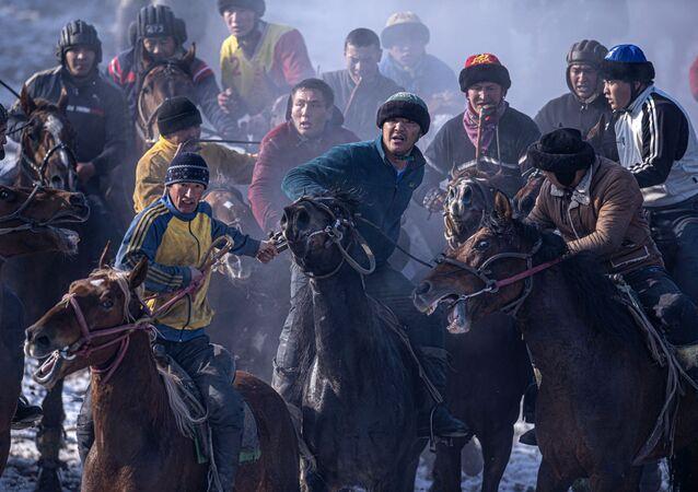 Kök börü günümüzde Kırgızistan, Kazakistan, Özbekistan, Türkmenistan, Moğolistan, Tacikistan ve Afganistan'da oynanıyor. Oyun halen en doğal haliyle oynanmakta ve seyredildiği zaman tam bir savaş oyunu havası vermektedir.