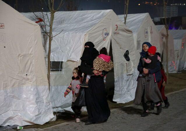 Elazığ depremi, çadırdaki depremzedeler, AFAD, çadır
