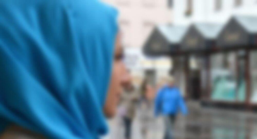Başörtülü kadın-başörtüsü