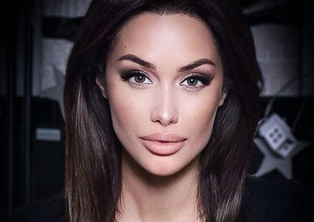 Angelina Jolie'nin Rus benzeri Tsarahova
