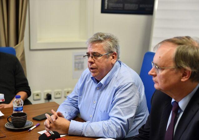 Avrupa Parlamentosu (AP) Türkiye Raportörü Nacho Sanchez Amor, Gaziantep'teki bazı STK'larla bir araya geldi. Amor'a Avrupa Birliği (AB) Türkiye Delegasyonu Başkanı Büyükelçi Christian Berger da eşlik etti.