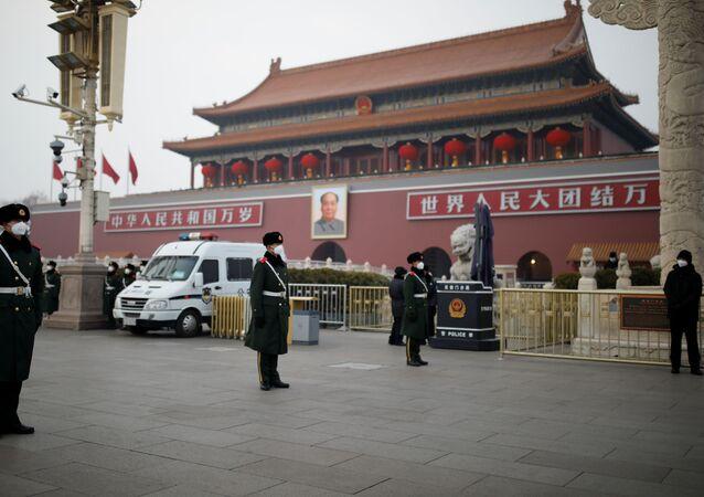 Pekin - Çin - koronavirüs - maske