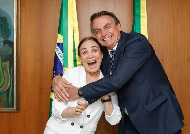 72 yaşındaki eski pembe dizi yıldızı Regina Duarte, Brezilya Devlet BaşkanıJair Bolsonaro'nun kültür bakanı olması yönündeki teklifini kabul ettiğini açıkladı