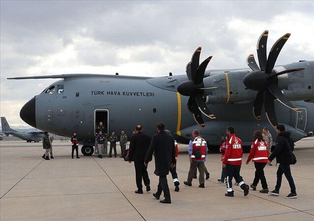 Çin'e giden A400M kargo uçağı