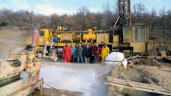 Tunceli'de 42 derece sıcaklığında termal kaynak - Sputnik Türkiye