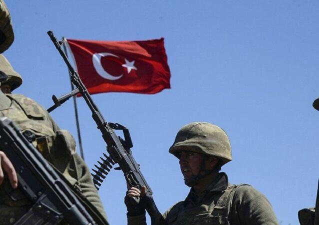 Türk askerleri