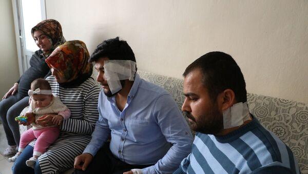 Yol verme kavgasında hamile kadın ve bebekleri bulunan aileye dehşeti yaşattılar - Sputnik Türkiye