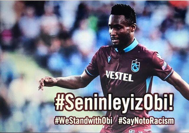 Trabzonspor Kulübü, Nijeryalı oyuncusu John Obi Mikel'e ırkçı saldırıda bulunan şahıslar hakkında suç duyurusunda bulunulduğunu duyurdu.