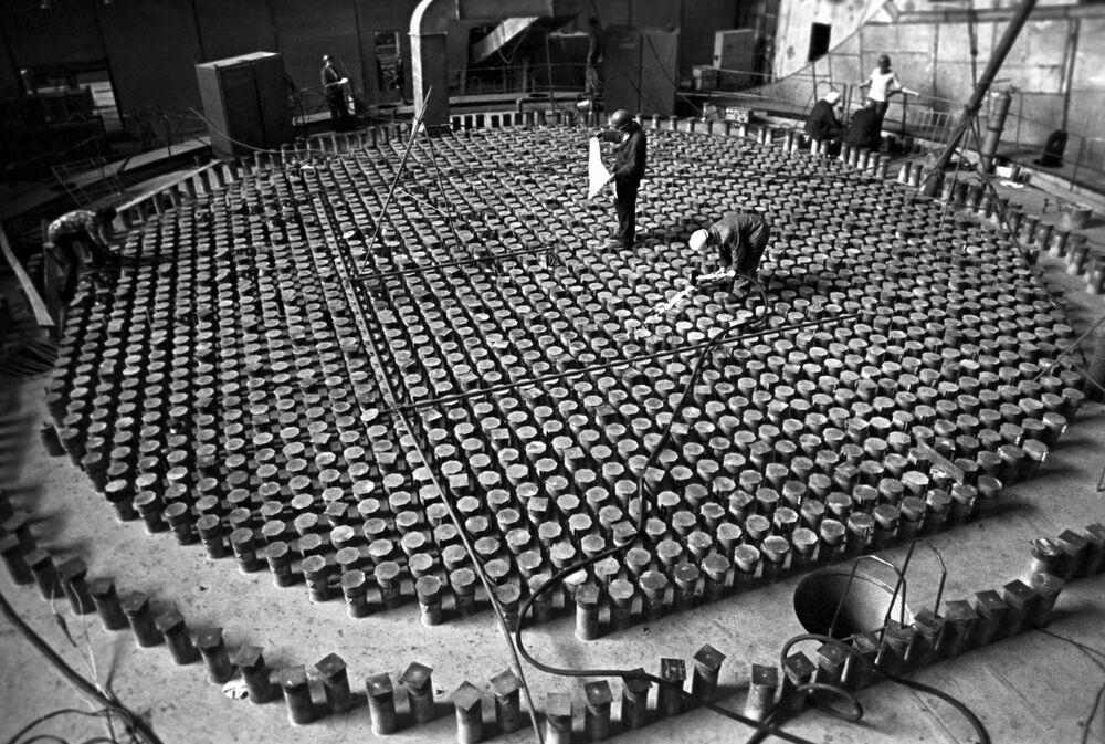Çernobil Nükleer Santrali'nde nükleer reaktörün montaj çalışmaları, 1975 yılı.