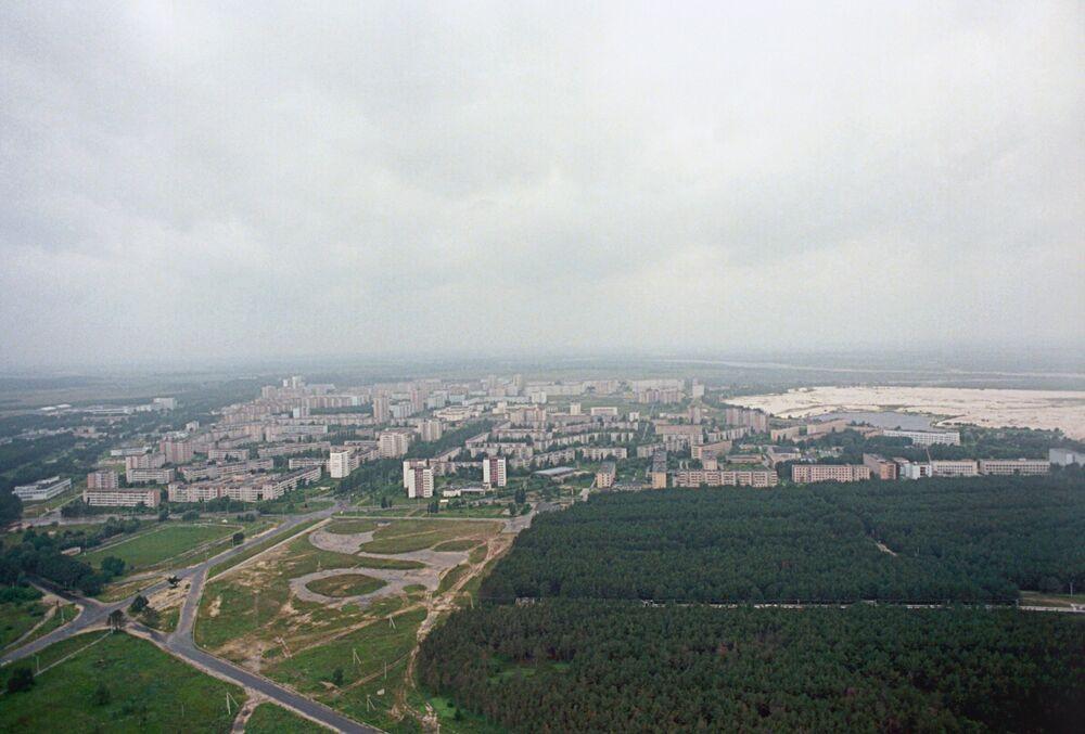 Ukrayna'nın kuzeyindeki Kiev bölgesinde bulunan Pripyat, Şubat 1970 yılında Çernobil Nükleer Santrali çalışanlarının aileleriyle yaşaması için kuruldu. 26 Nisan 1986 yılında yaşanan nükleer faciadan sonra boşaltılan şehir hala kimsenin yaşamasının mümkün olmadığı bir radyasyon seviyesine sahip.