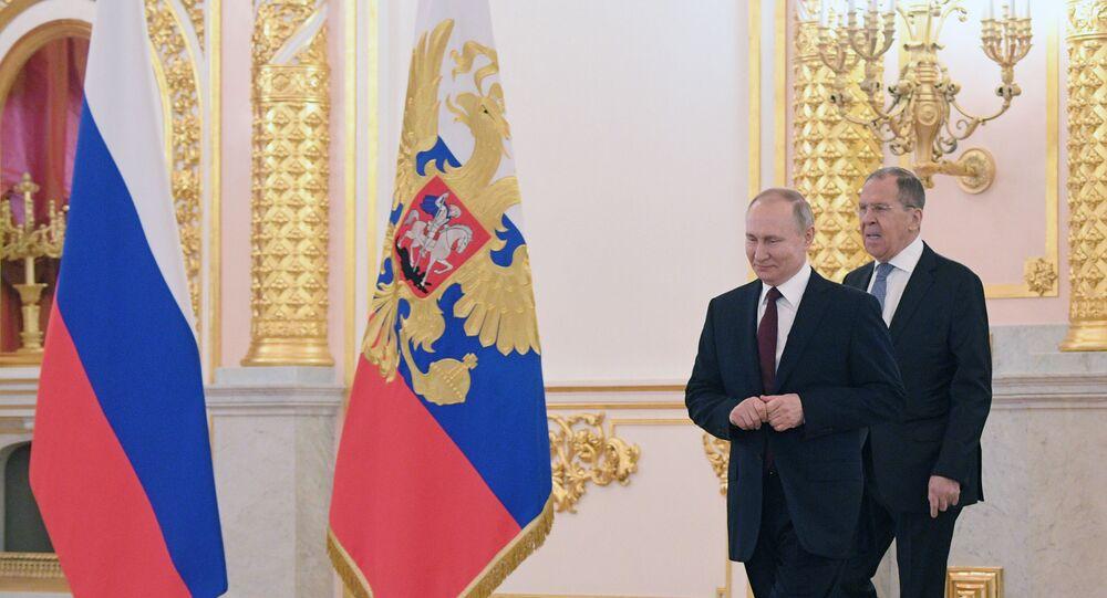 Vladimir Putin ve Sergey Lavrov