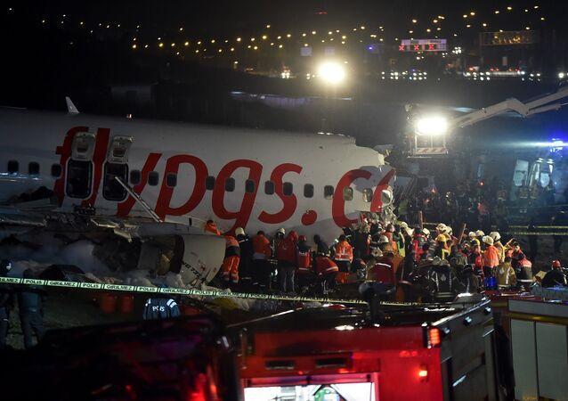 Sabiha Gökçen Havalimanı'nda pistten çıkan uçak