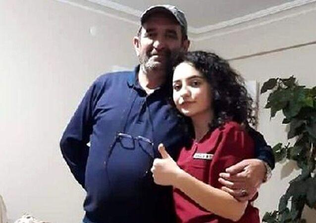 Ankara'nın Çubuk ilçesinde lise öğrencisi kızını silahla öldürdüğü iddiasıyla gözaltına alınan baba, tutuklandı.