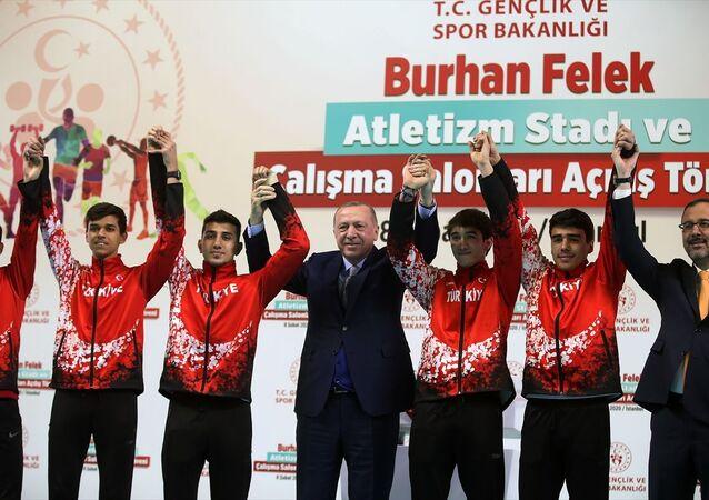 Cumhurbaşkanı Recep Tayyip Erdoğan, Burhan Felek Atletizm Pisti'nin açılış töreninde konuştu.