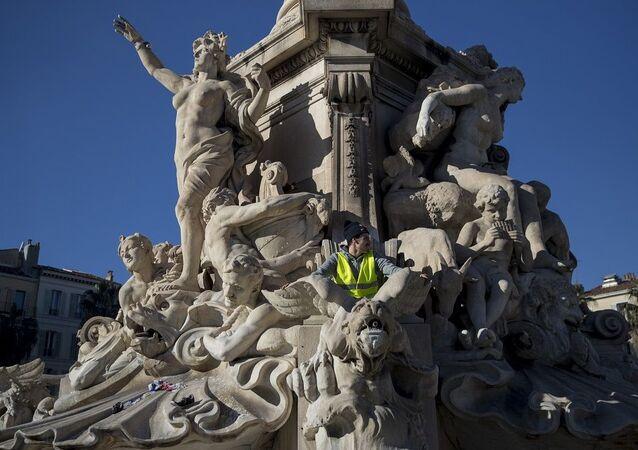 Fransa sarı yelekliler