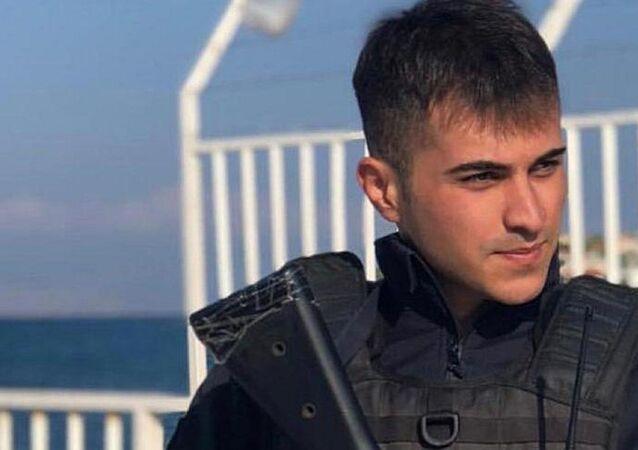 İzmir'in Çeşme ilçesinde, intihar eden polis memuru Muhammed Emin Kaya