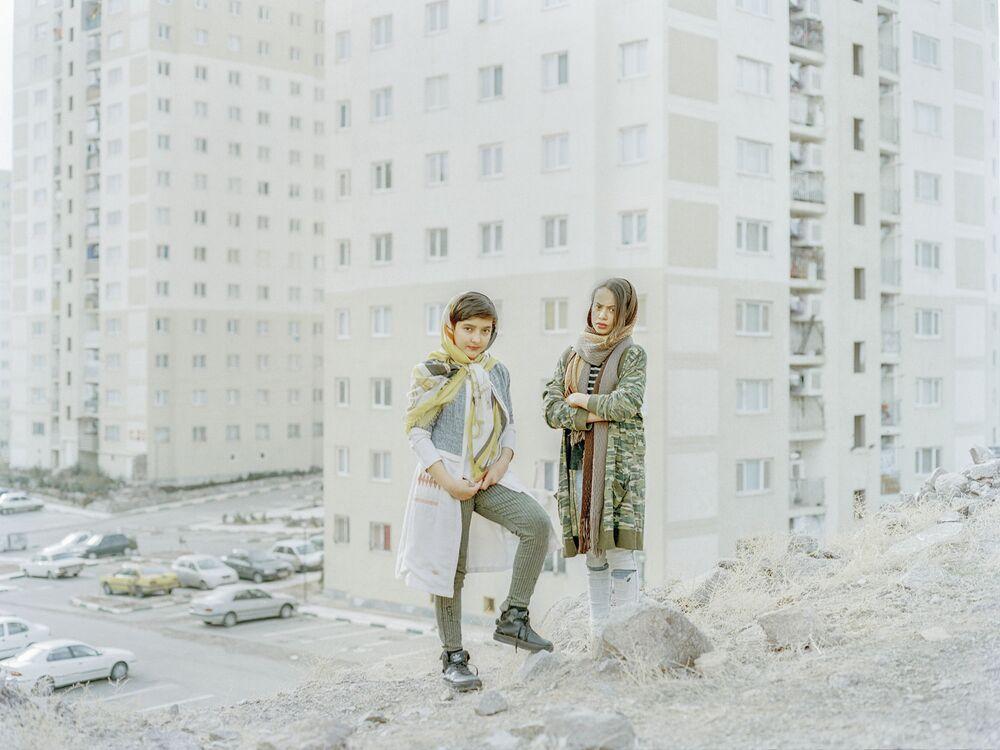 2020 Sony Dünya Fotoğrafçılık Ödülleri'nin Profesyonel  Keşif kategorisinde kısa listeye giren İranlı yarışmacı Hashem Shakeri'nin Cast Out of Heaven isimli çalışması.