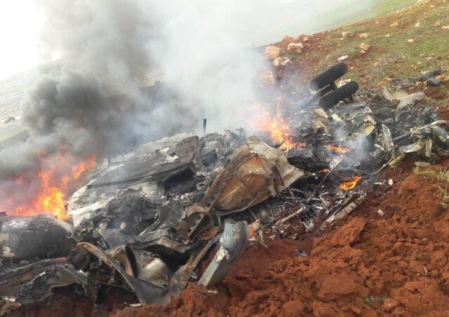 Halep kırsalında Suriye ordusuna ait helikopter düşürüldü