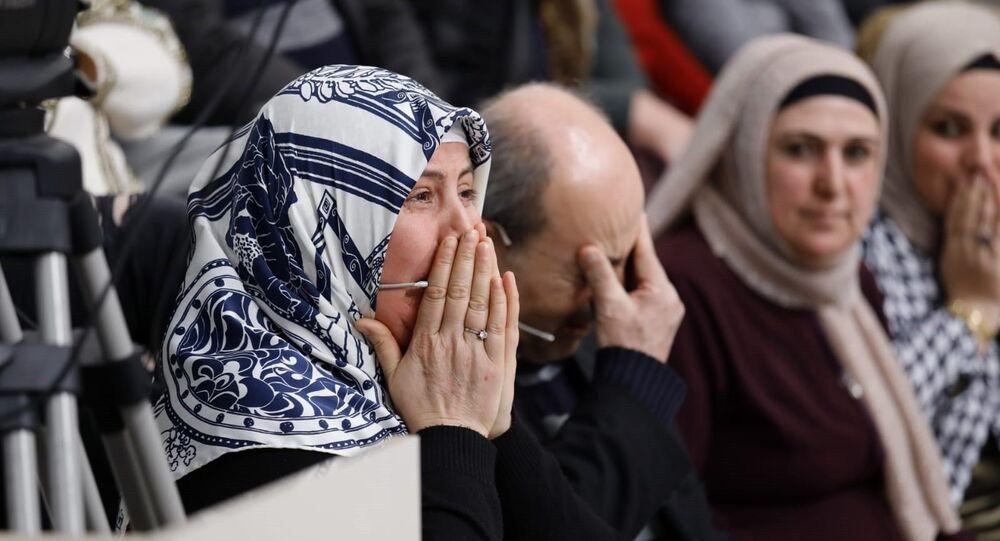 Türkiye'nin ünlü televizyoncusu Esra Erol, yüzde 50 zihinsel engelli Esma Özarslan'ı 1 saat içinde buldu.