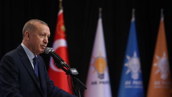Türkiye Cumhurbaşkanı ve AK Parti Genel Başkanı Recep Tayyip Erdoğan, AK Parti İstanbul İl Başkanlığı Yeni Üye Çalışmaları Ödül Töreni'ne katıldı. - Sputnik Türkiye